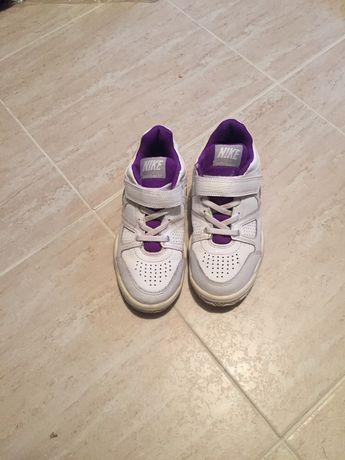 Маратонки за тенис Nike 31,5