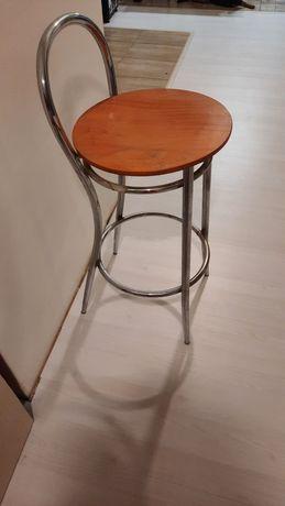 Doua scaune de bar
