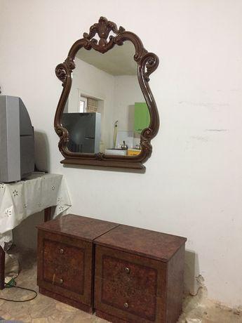 2-е тумбочки и зеркало