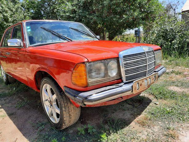 Срочно продаётся Daimler-Benz w123 раритет. Возможен обмен!