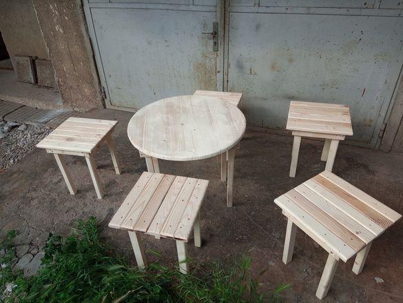 Кръгла маса със 5 стола за мераклий.размери:ф65 на плота на маса.вис.м