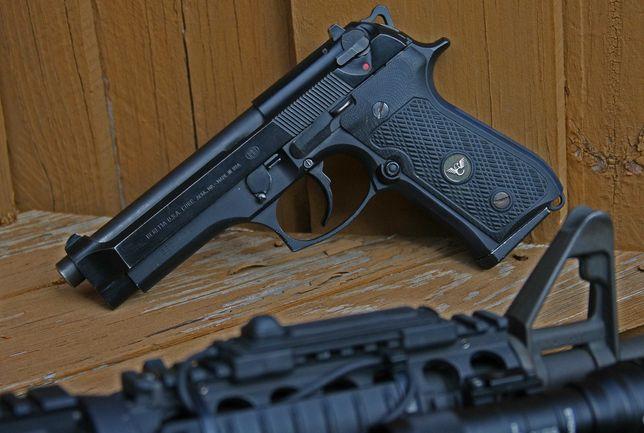 Oferta Pistol AIRSOFT De PUTERE MARE +Bile+Co2 4,6j 215m/s
