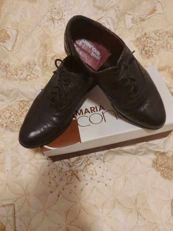 Кожени дамски обувки