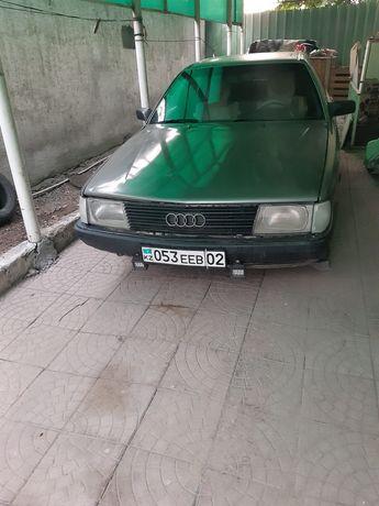 Продам  автомобиль AUDI 100