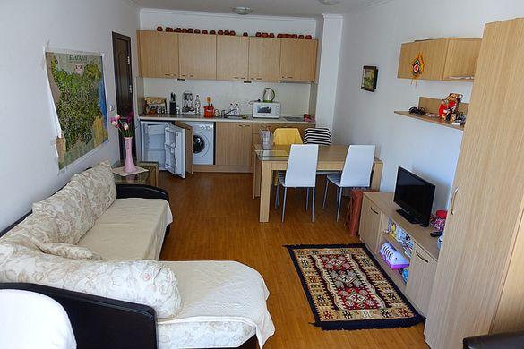 Обзаведен двустаен апартамент в комплекс Астория 3