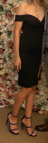 Rochie neagra cu crapatura
