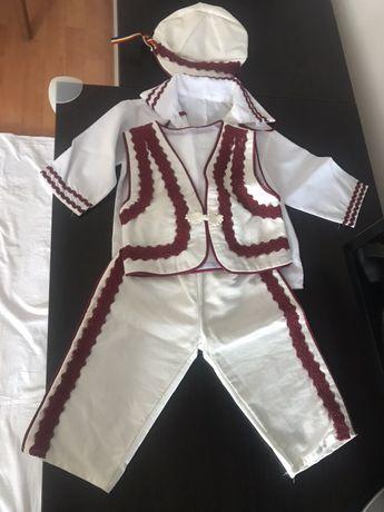 Costum traditional bebe 0-6 luni Nou
