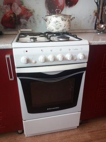 Плита комбинированная : газовая +электрическая