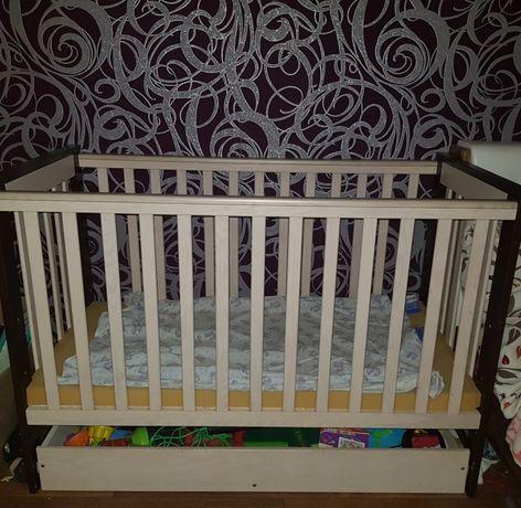 Детская кроватка деревянная
