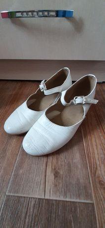 Мамлютка продам туфельки для хореографии