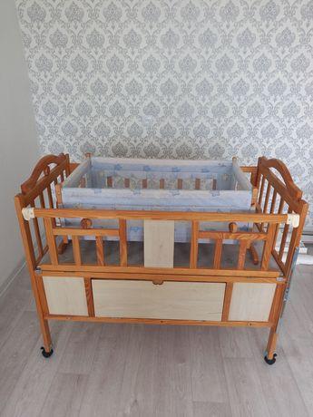 Продам детскую кроватку.