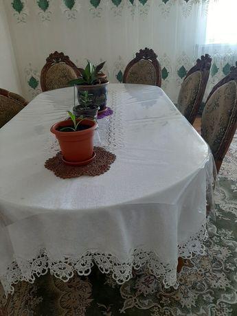 Продам стол со сткльями