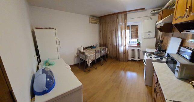 Proprietar vand apartament cu 2 camere decomandate-BRAZDA