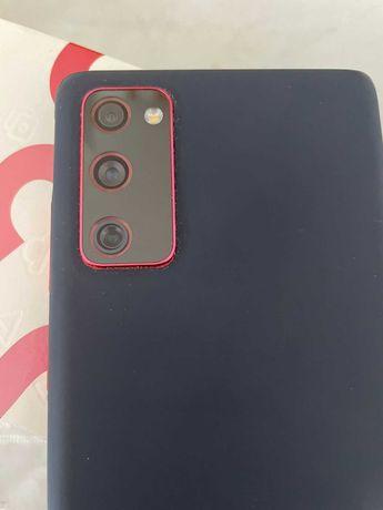 S20FE Samsung 2021 г, цвет красный, полностью  обклеена броняплёнкой!