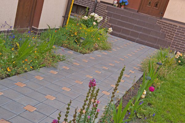 Fabrica - Vindem pavaje decorative pentru gradina - 20x25 cu 10x15 cm