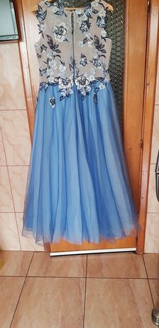 Vand rochie pentru ocazii superba