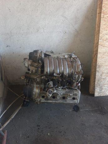 Двигатель 2UZ-FE. Lexus LX 470.