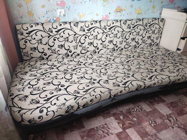 продам диван с двумя подушками состояние хорошее