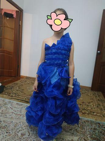 Нарядное платье для девочек 6-8 лет