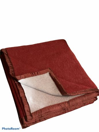 Patura din lana, model Magdalena, 175X210cm, 657 gr/m2(2,4 kg), cutie
