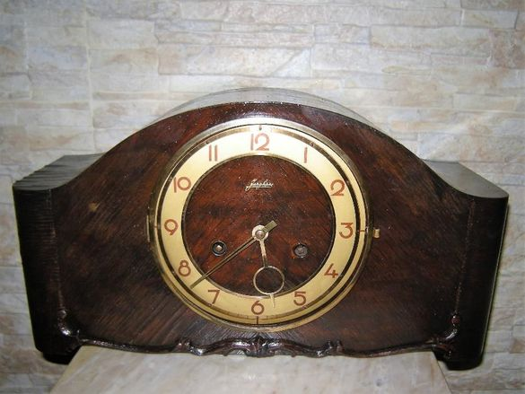 настолен часовник - Junghans