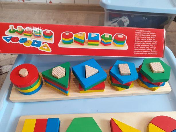 Vand joc din lemn cu forme geometrice