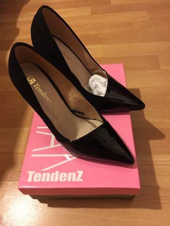 Обувки Тенденз