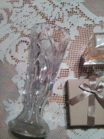 Кристална ваза-25 лв днес