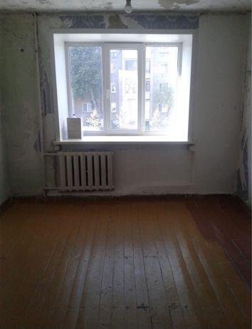 Комната в обшежитии тд Океан 2/5 не угловая. Соседи семейные пары