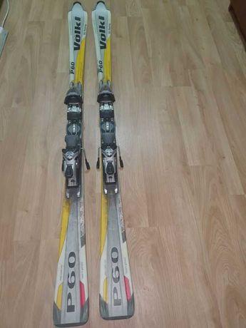 Skiuri 165cm, clăpari 43-44, bete, casca, pantaloni,etc