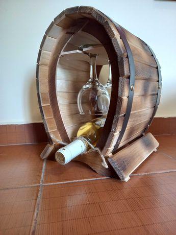 Suport vin din lemn cu pahare