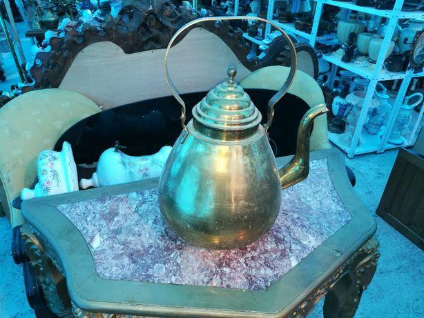 carafa din bronz