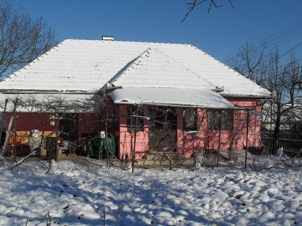 Vânzare casă și teren în Călățele