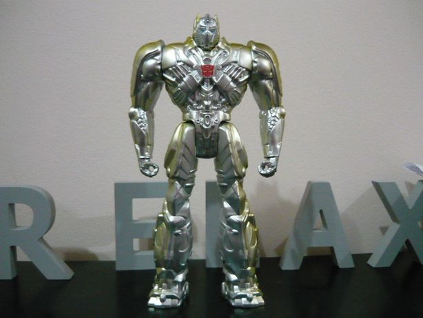 figurina transformes optimus prime