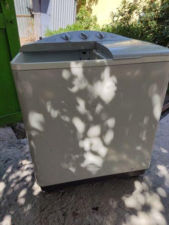 Продам стиральную машинку полуавтомат. В хорошем состоянии.