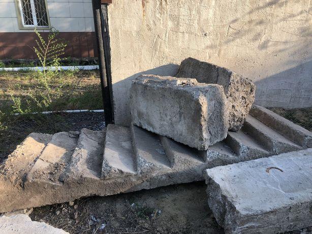 Лестничный бетонный марш фбс