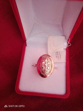 Золотое кольцо.Размер 18.5