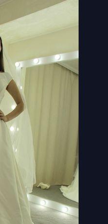 Зеркало с лампами 180*160 как новое