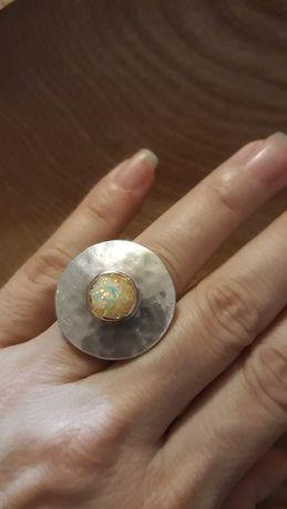 Inel foarte vechi argint  cu aur si opal