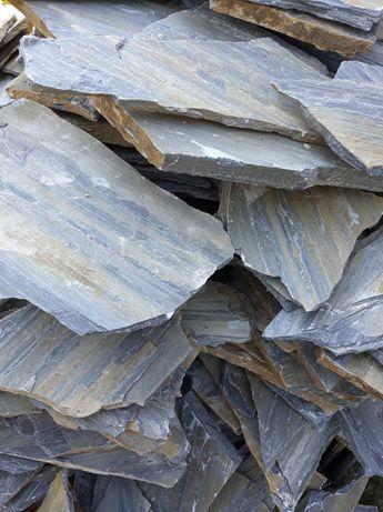 Vand piatră naturală decorativă, ornamentală pentru placat sau pavaj.
