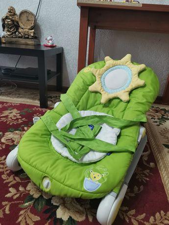 Кресло-качалка для ребёнка от chicco