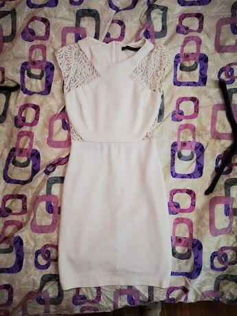Бяла дамска рокля
