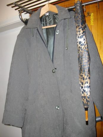 Продавам чисто ново дамско зимно яке, тип канадка