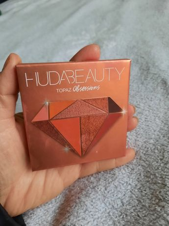 Huda Beauty, Too Faced