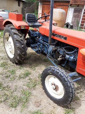 Vind tractor 55 cp Carraro Cauciucuri noi abriaj nou
