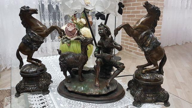 Statueta cu veioza/lampa din antimoniu