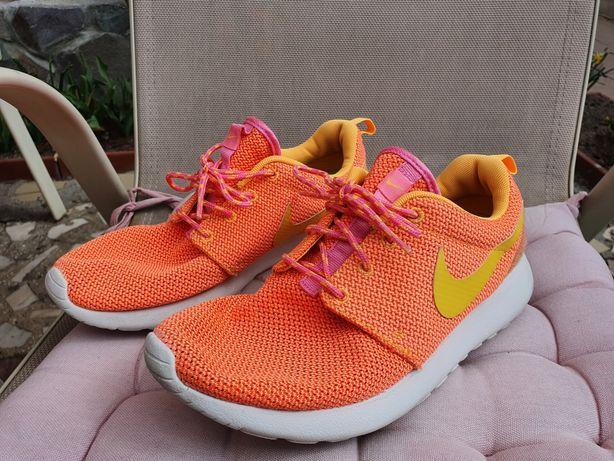 Adidasi Nike Roshe Run