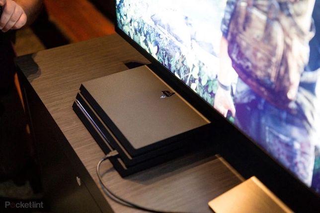 Продам PS4 PRO На 1 ТБ,последней модели Загаловок!