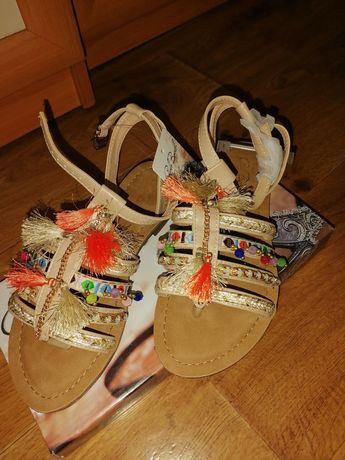 Дамски сандали-37