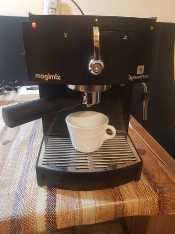 Expresor cafea Nesexpreso
